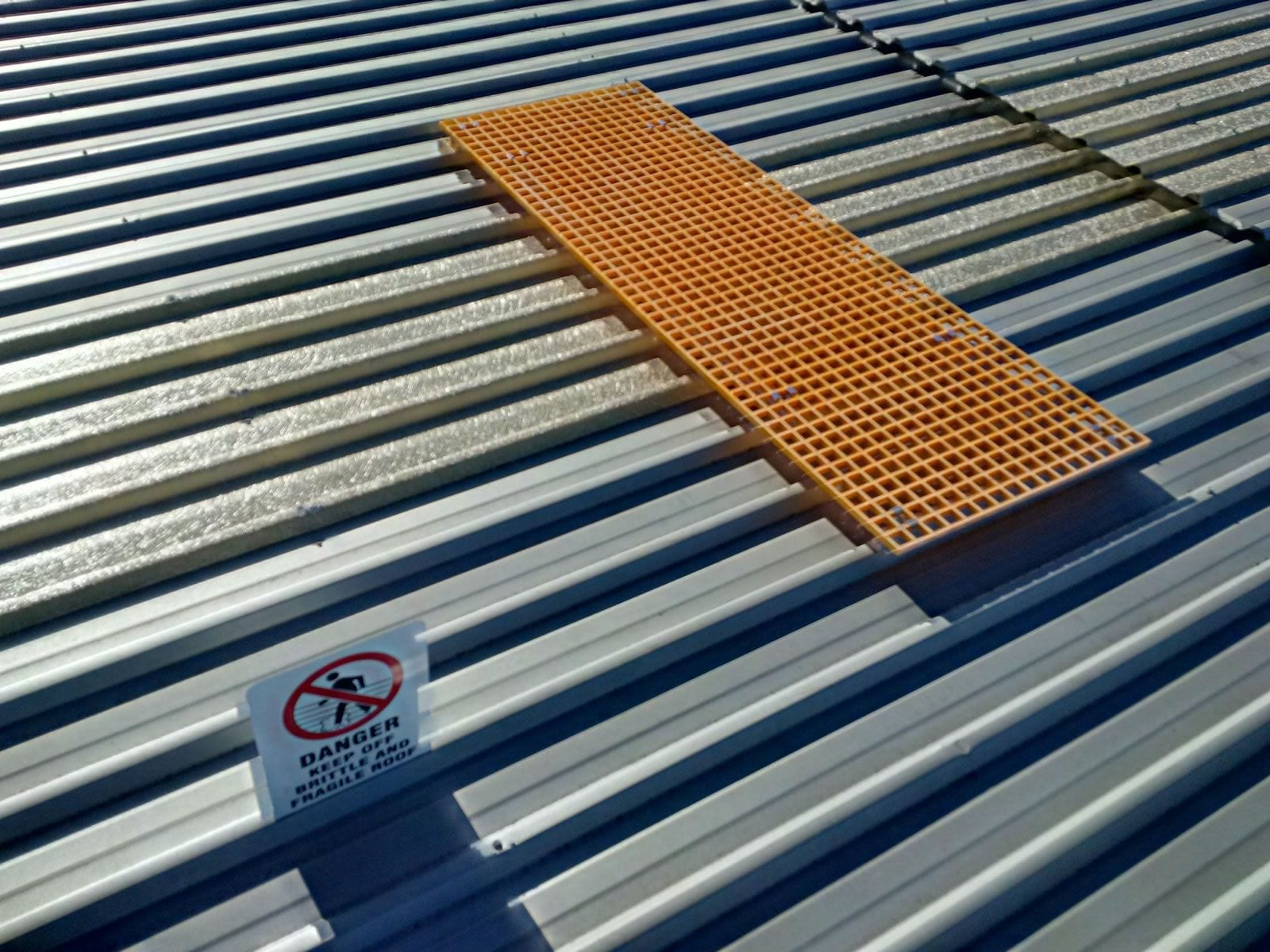 Rooftop safety sign